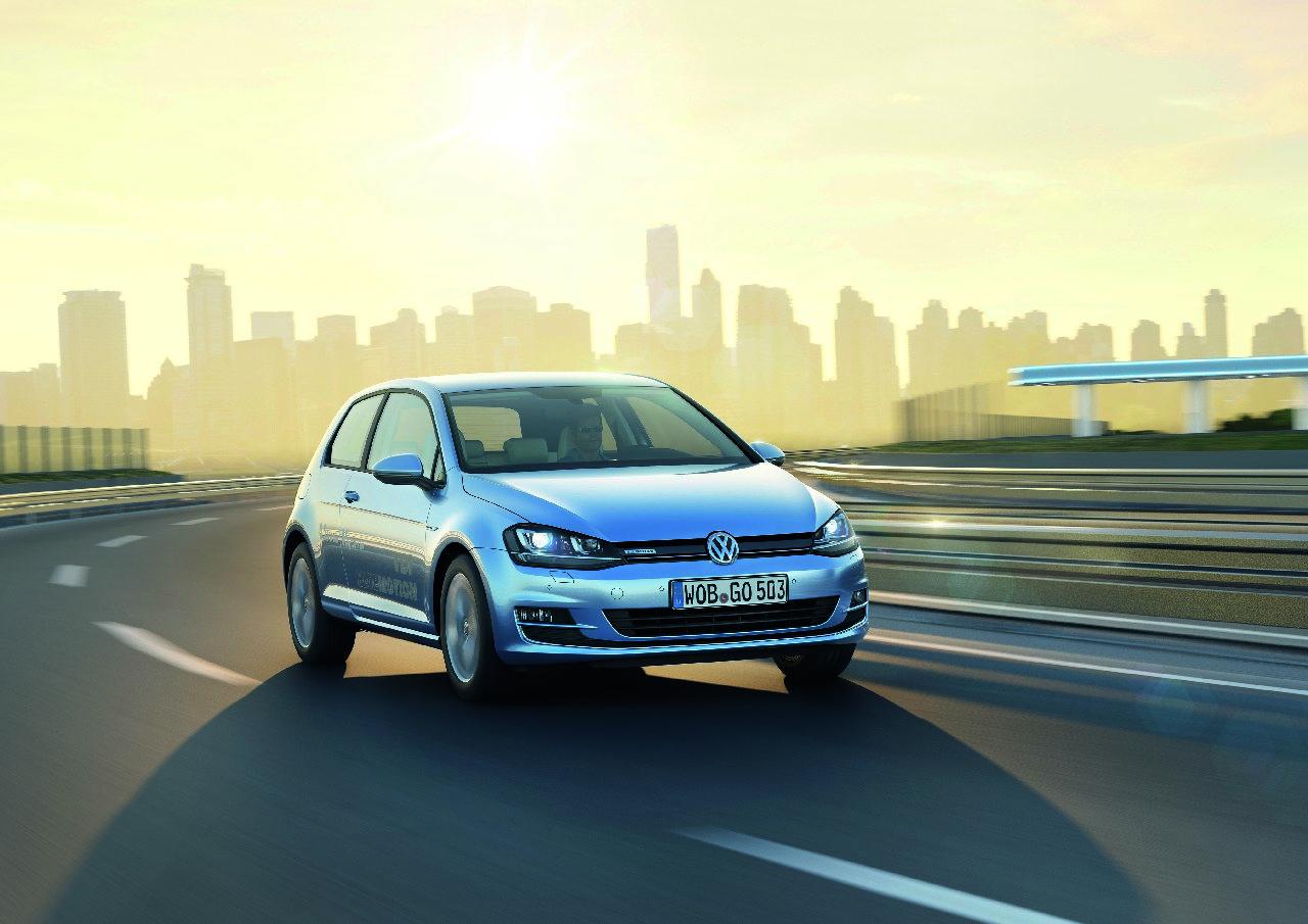 Volkswagen Golf Bluemotion 2013 1