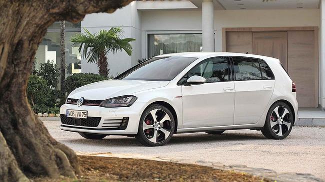 Volkswagen_Golf_GTI_VII_05