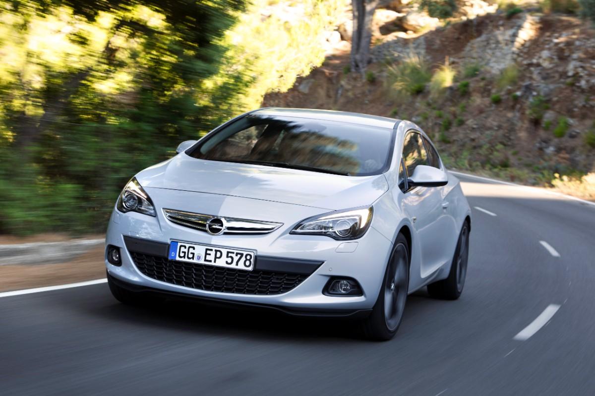 Opel Astra GTC blanco 2