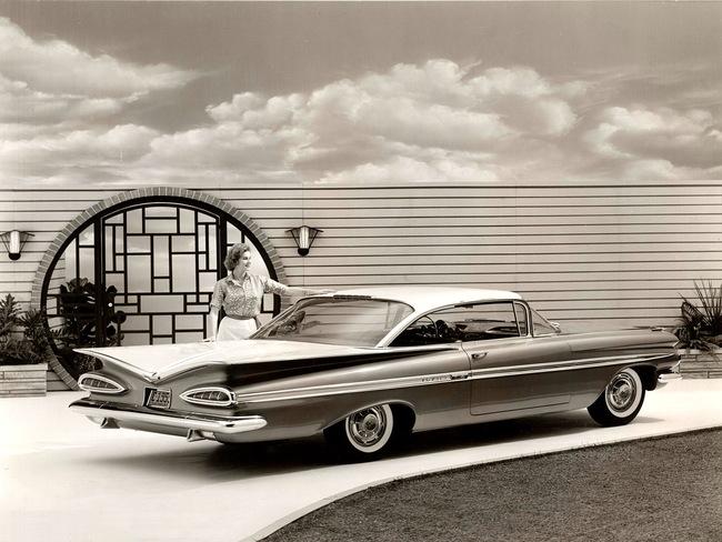 10 Chevrolet Impala Sport Coupe 1959