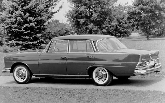 1959 Mercedes-Benz 200 S W111 series