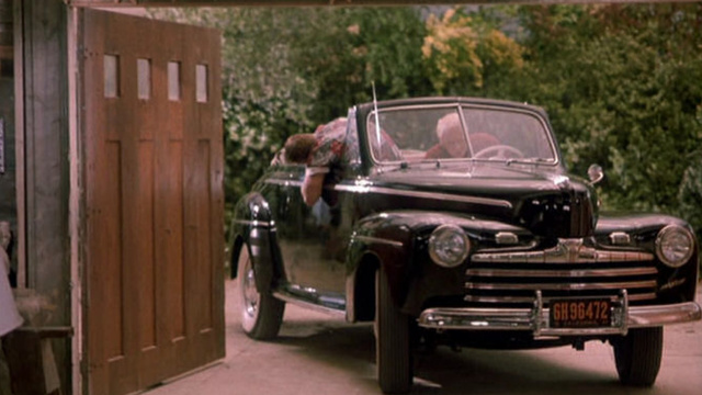 2. Ford Super De Luxe 1946