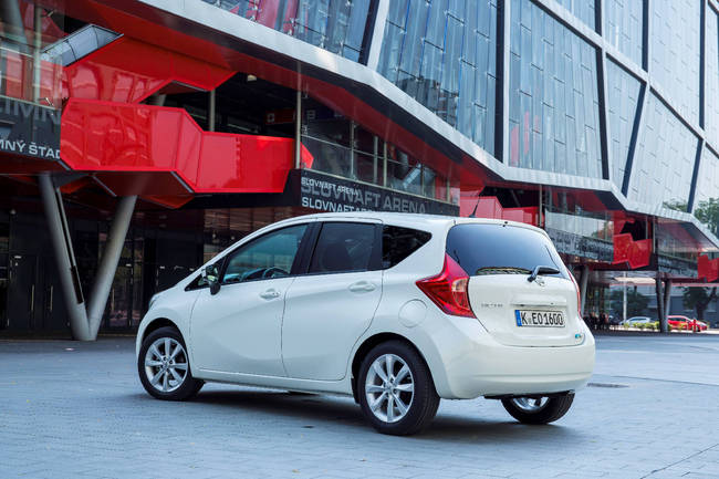 Nissan Note 2013 16