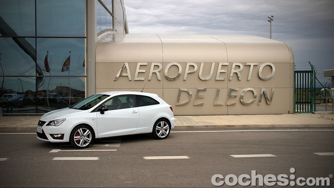 SEAT_Ibiza_SC_Cupra_02