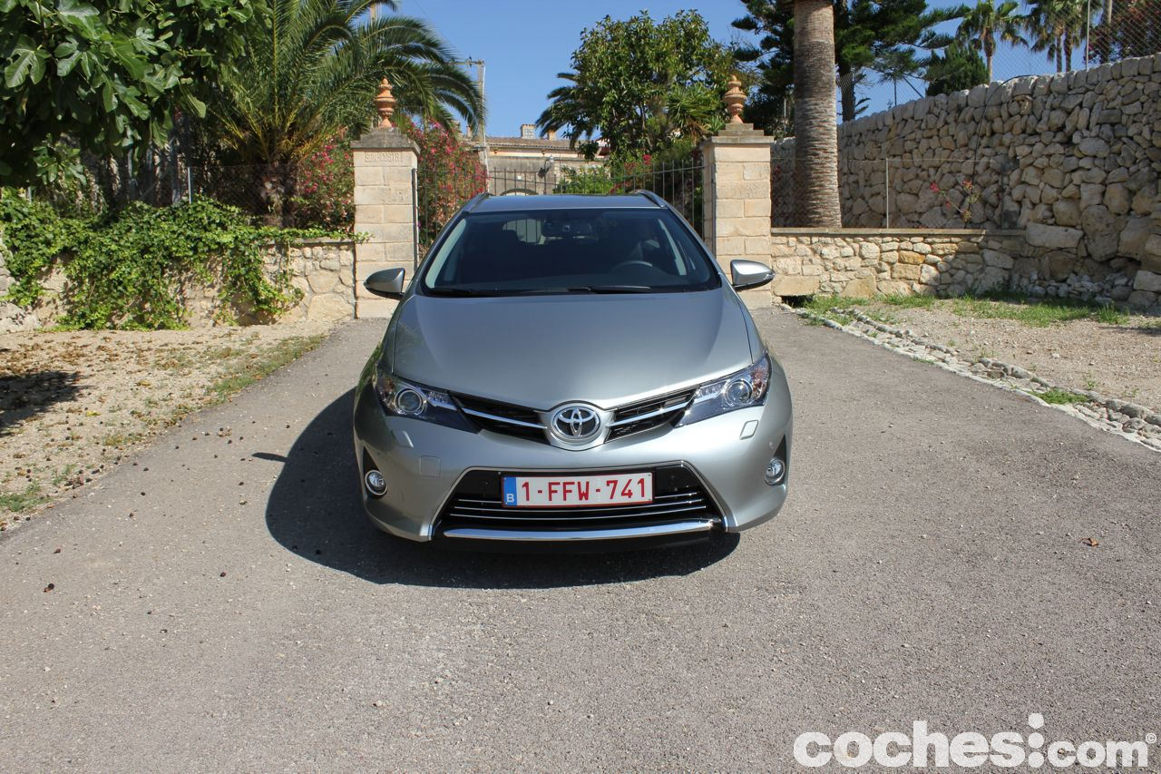 prueba contacto toyota auris touring sports. Black Bedroom Furniture Sets. Home Design Ideas