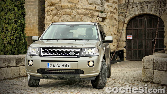 Land_Rover_Freelander_2.2_SD4_HSE_03