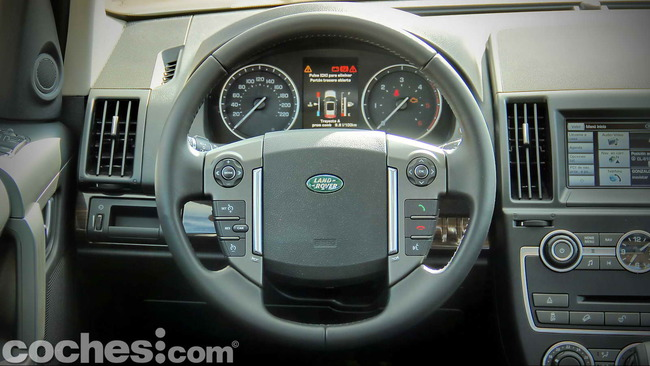 Land_Rover_Freelander_2.2_SD4_HSE_11