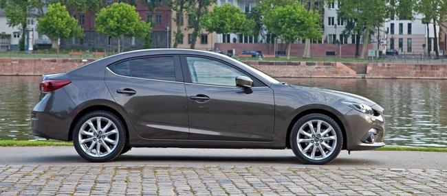 Mazda 3 SportSedan 12