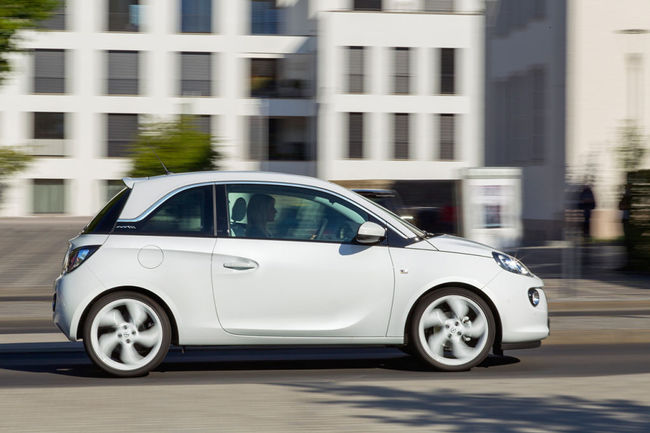 Opel Adam Black White 4