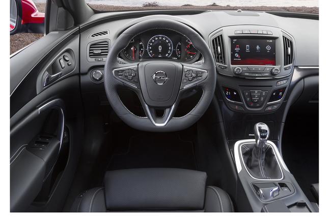 Opel Insignia OPC 2013 07 interior