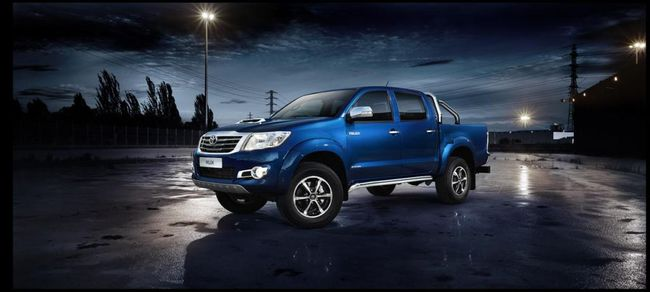 Toyota Hilux Invincible 1