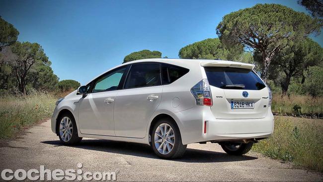 Toyota_Prius+_02
