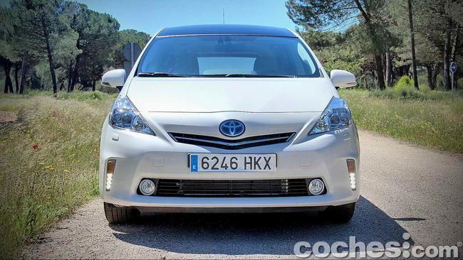 Toyota_Prius+_03