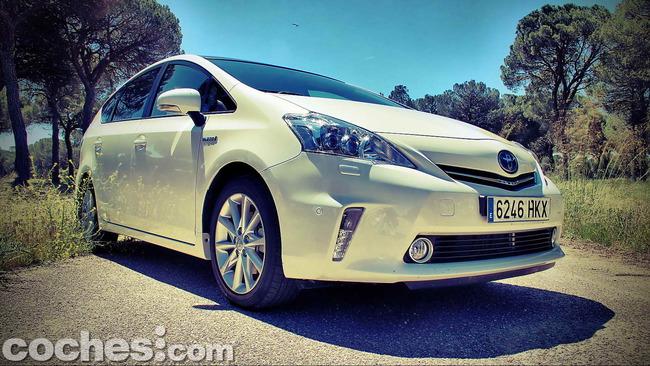 Toyota_Prius+_08