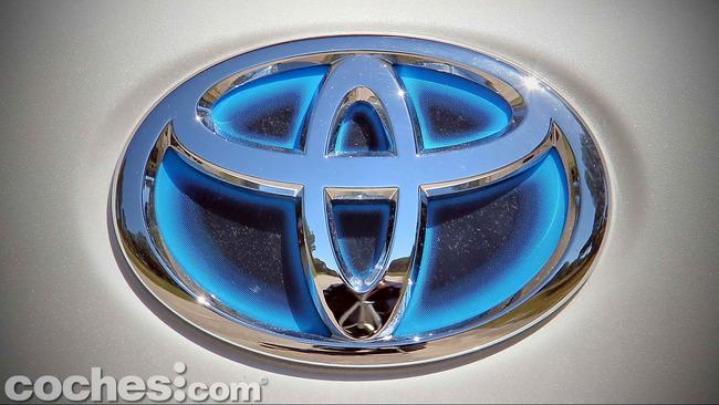 Toyota_Prius+_09