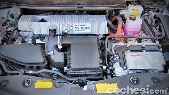 Toyota_Prius+_39