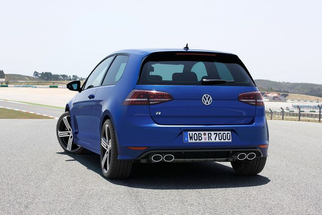 Volkswagen Golf R 2014 02