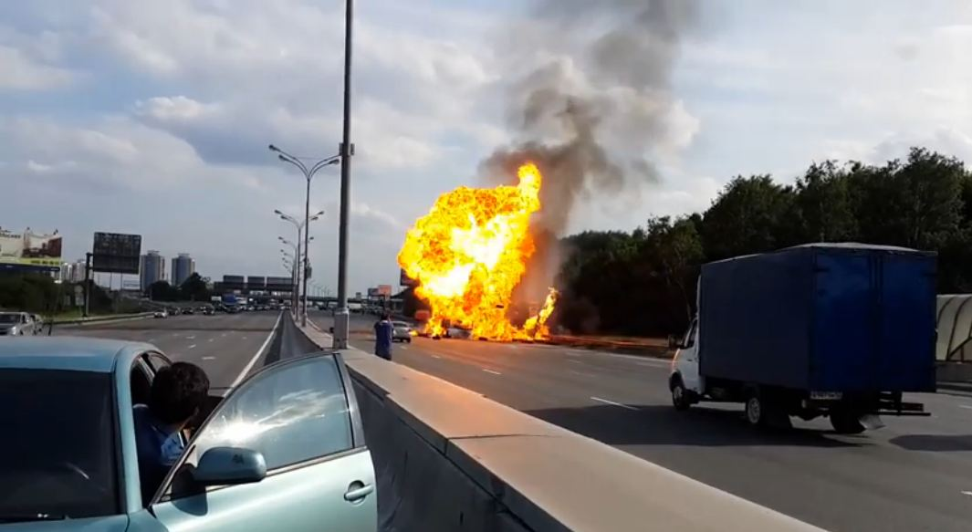 explosion camion ruso