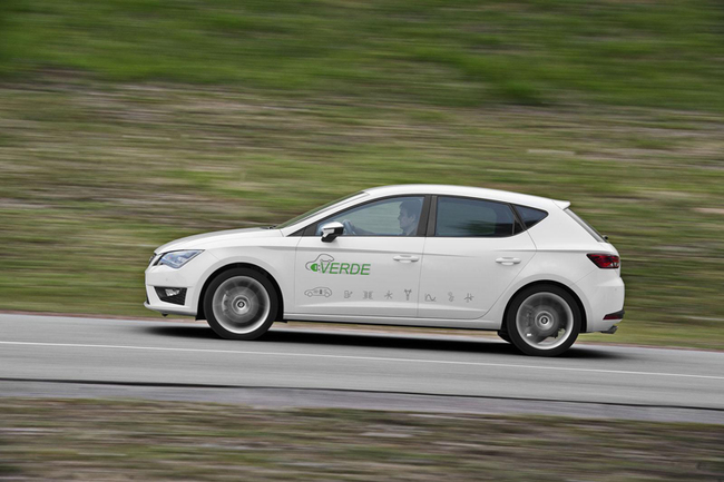 seat-leon-verde-plug-in-hybrid-concept-lateral