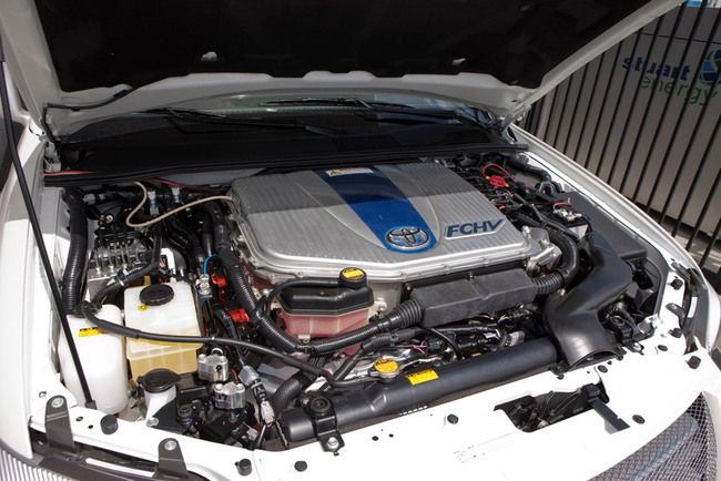 toyota-advanced-fuel-cell-hybrid-vehicles-fchv