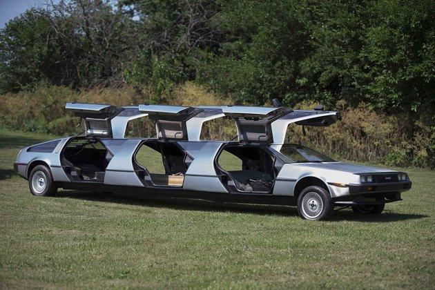 DeLorean limusina 2