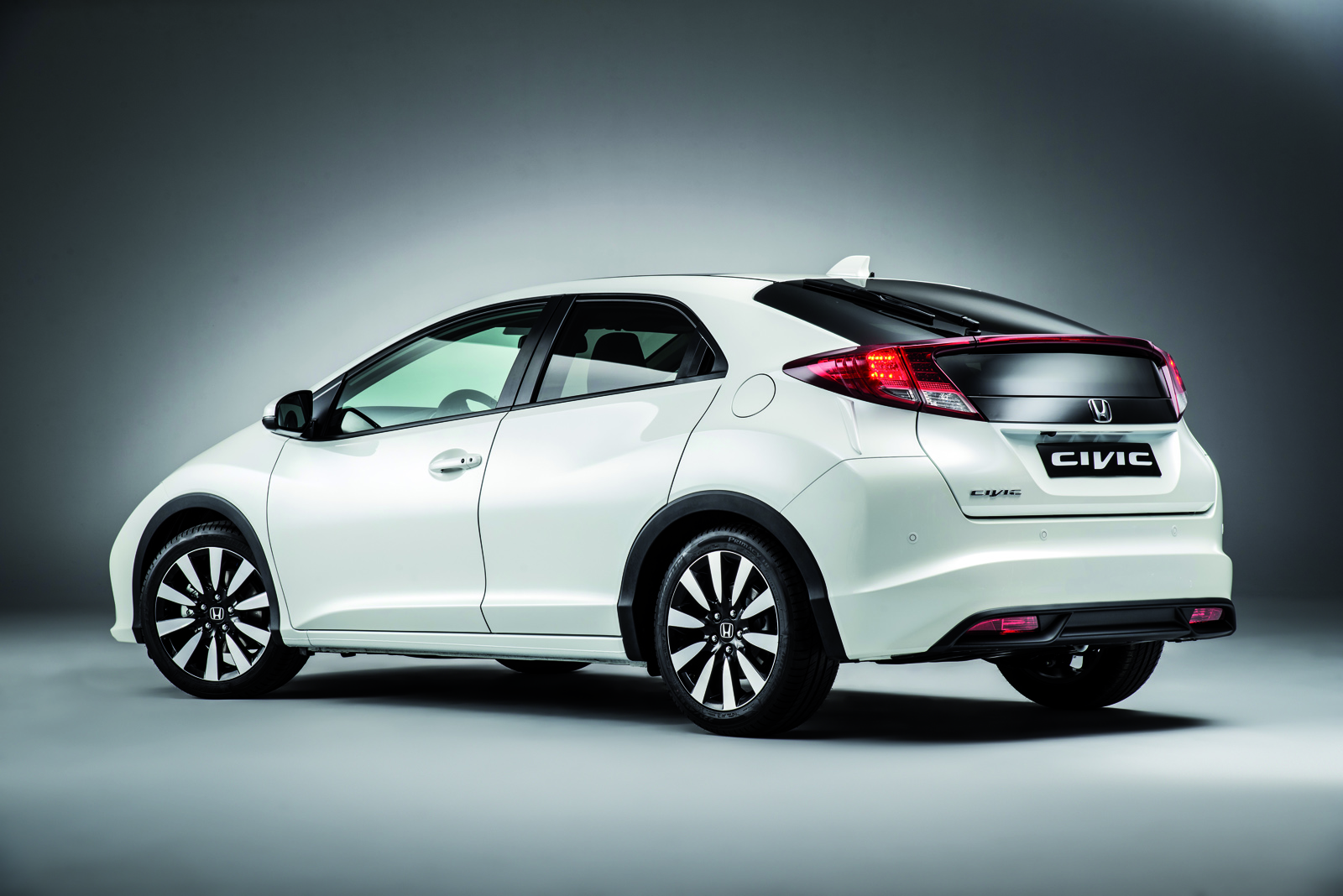 honda civic 2014 puesta al d a y con el civic type r en camino. Black Bedroom Furniture Sets. Home Design Ideas
