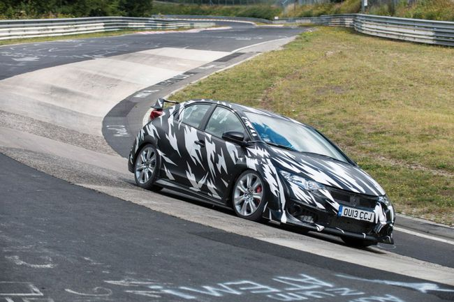 Honda Civic Type R 2013 Nurburgring 01