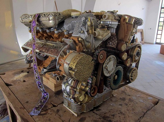 Motor V12 Larnaki