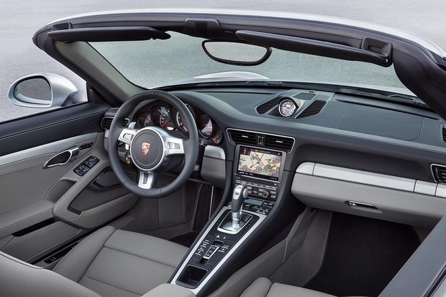 Porsche 911 Turbo Cabriolet 2013 06 interior