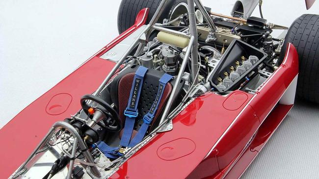 RUSH_Duelo_McLaren_Ferrari_24