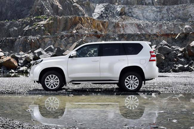 Toyota Land Cruiser 2014 02