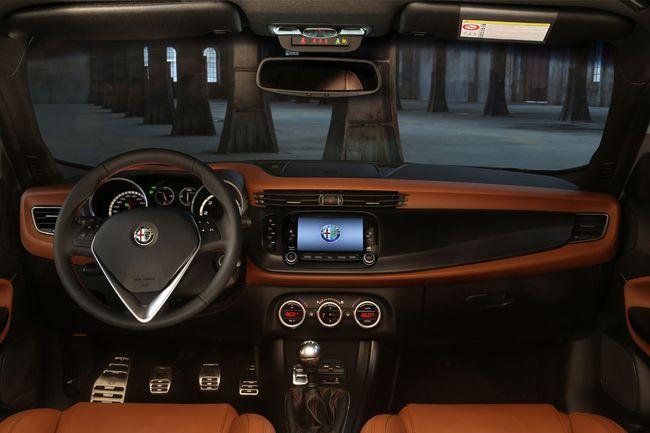 Alfa Romeo Giulietta 2014 15