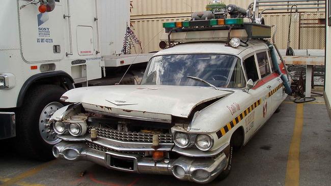 Cadillac_Ecto1a_Ghostbusters_II_01