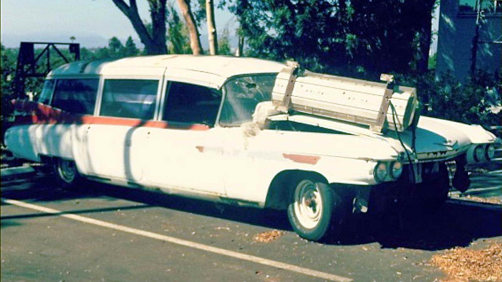 Cadillac_Ecto1a_Ghostbusters_II_02