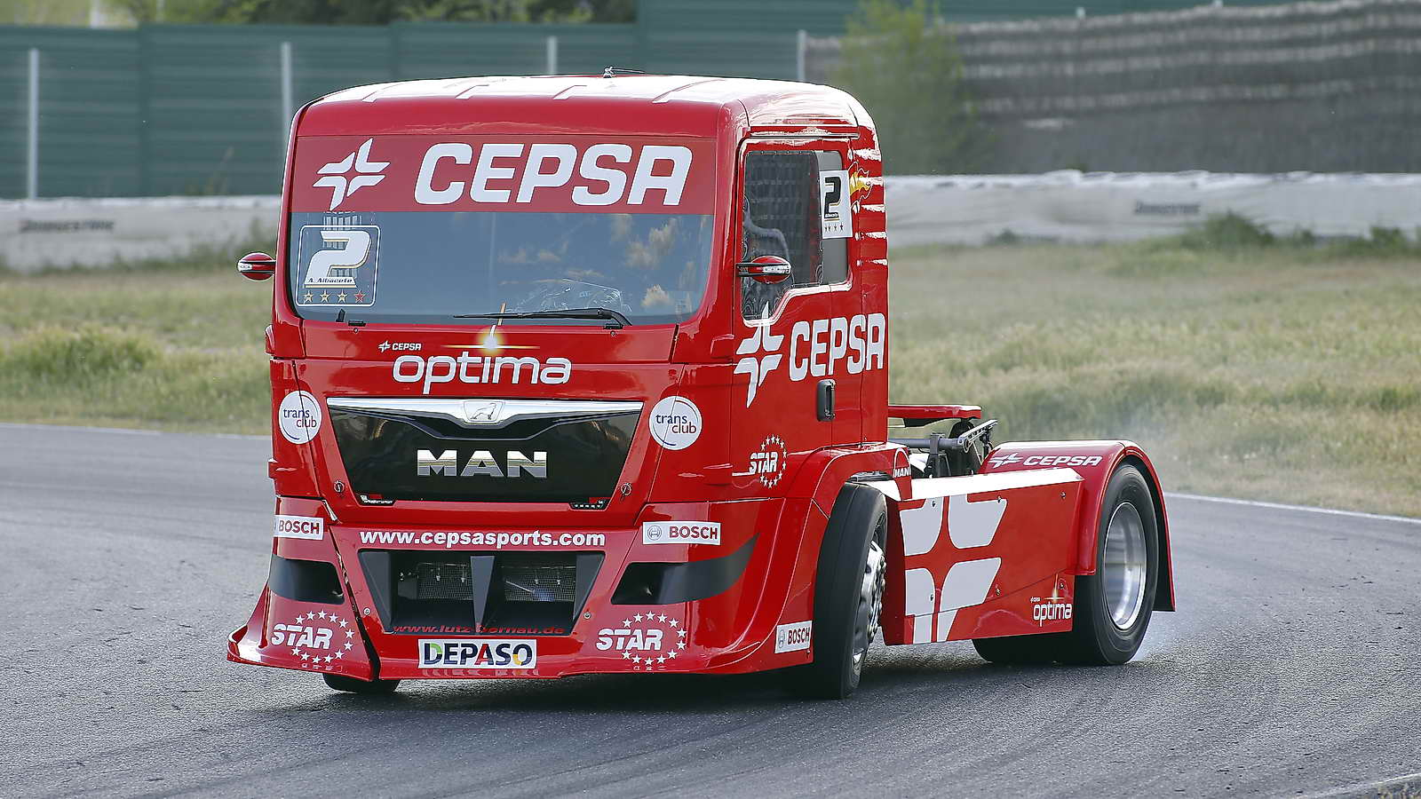 camiones de carreras  bestias del asfalto