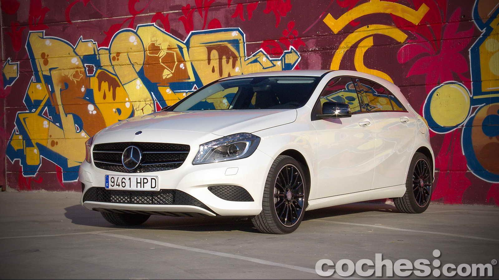 Mercedes_Benz_Clase_A_220_CDI_01