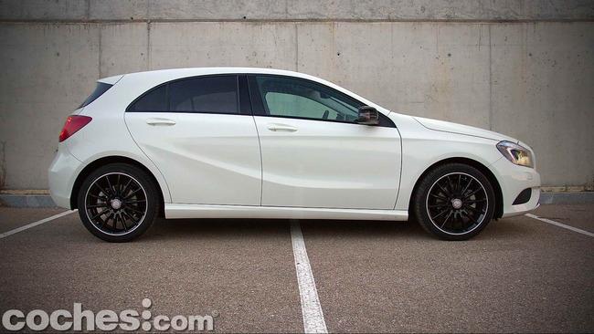 Mercedes_Benz_Clase_A_220_CDI_06