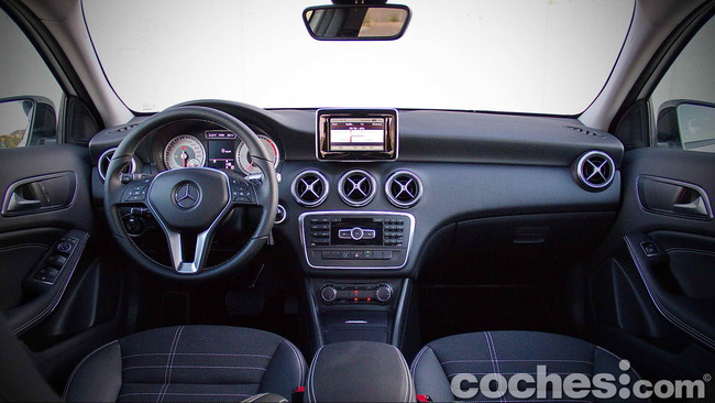 Mercedes_Benz_Clase_A_220_CDI_07