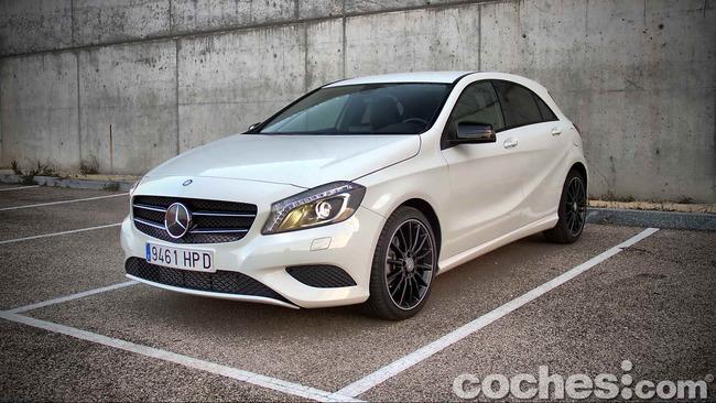 Mercedes_Benz_Clase_A_220_CDI_23