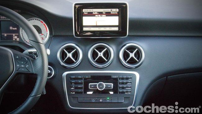 Mercedes_Benz_Clase_A_220_CDI_33
