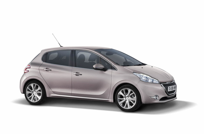 Peugeot 208 2013 02
