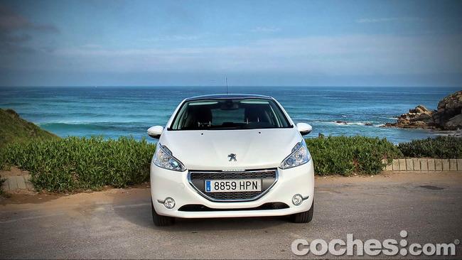 Peugeot_208_eHDI_08