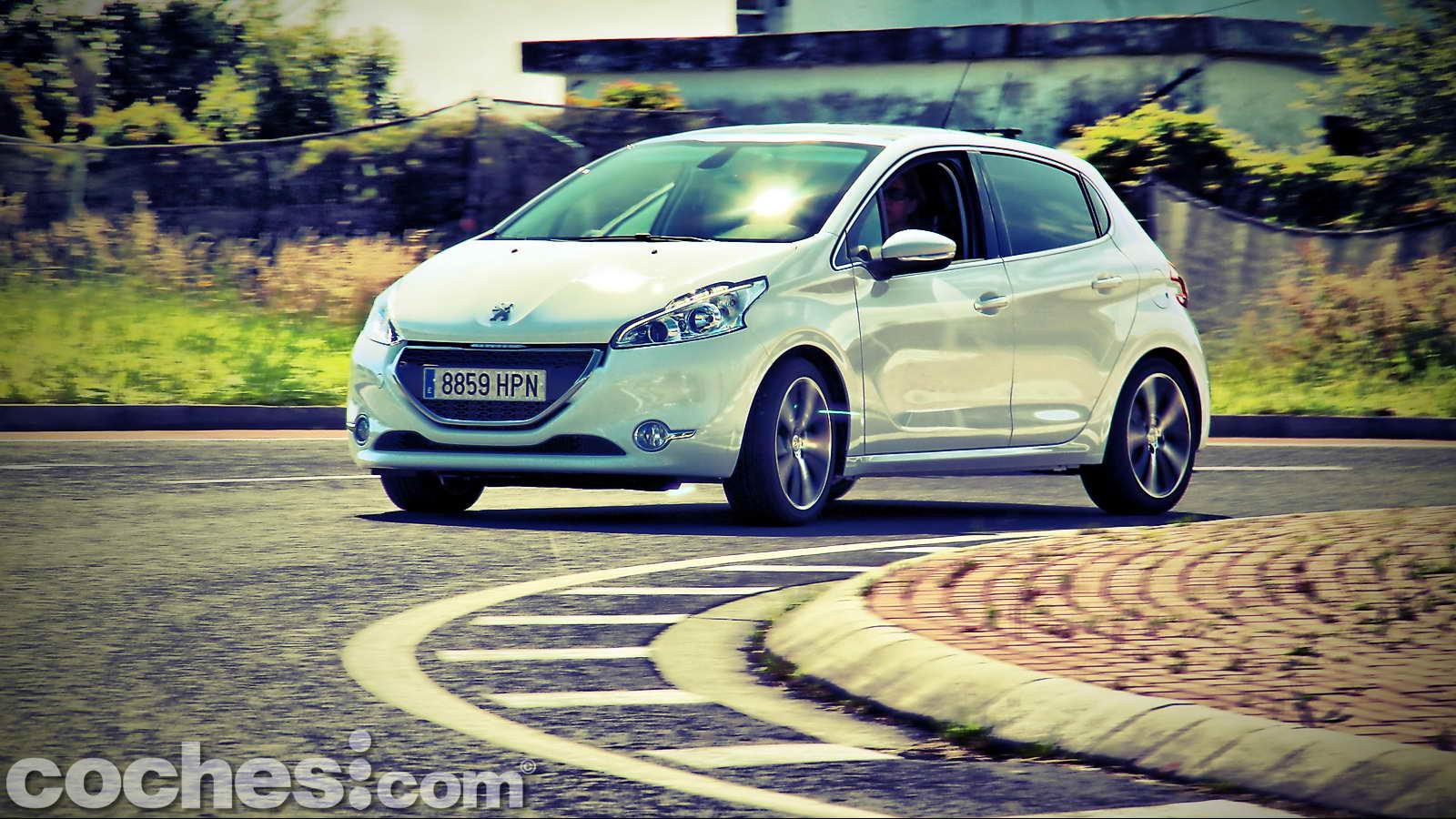 Peugeot_208_eHDI_25