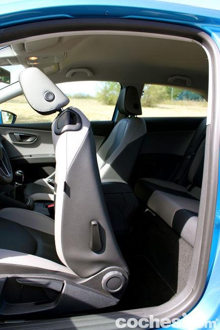 Seat Leon SC TDI 150 CV Style - interior 04