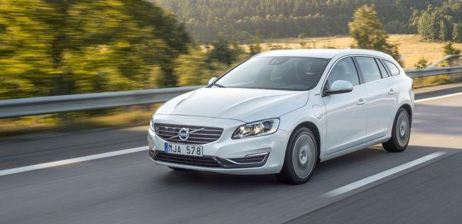 Volvo V60 Plug-in Hybrid 2014 03