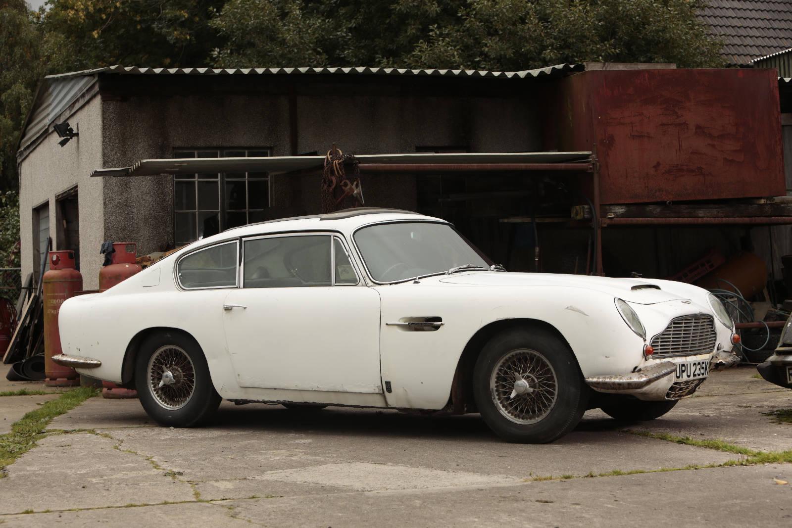 Aston Martin DB6 1967 13