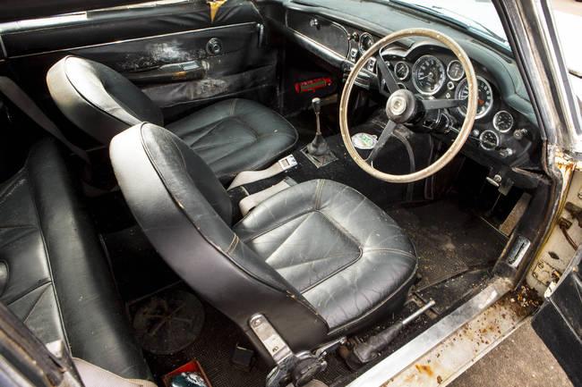 Aston Martin DB6 1967 15
