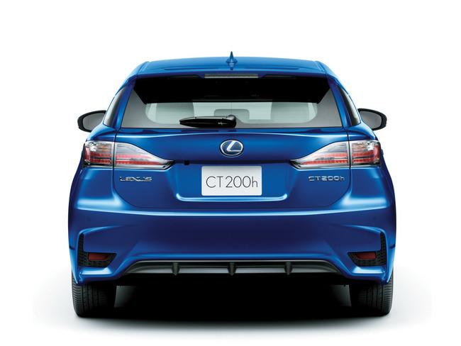 Lexus CT200h 2014 03