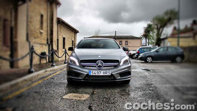 Mercedes_Benz_A45_AMG_24
