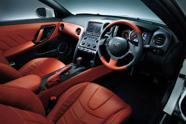 Nissan GT-R 2014 16